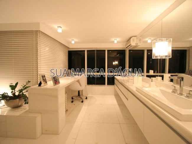 Casa para venda e aluguel Rua Madre Joana de Gusmão,Centro, São José - R$ 2.500.000 - 0015 - 8